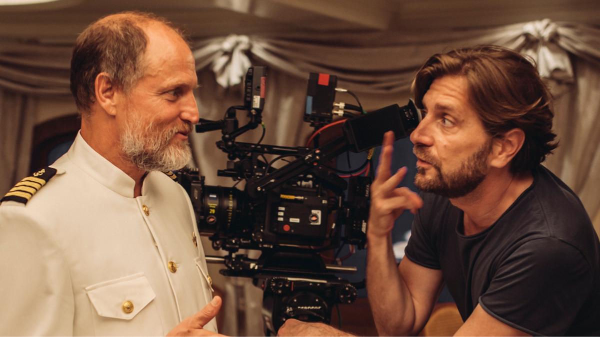 Рубен Эстлунд завершил съемки своего нового фильма — это будет сатира о мире высокой моды
