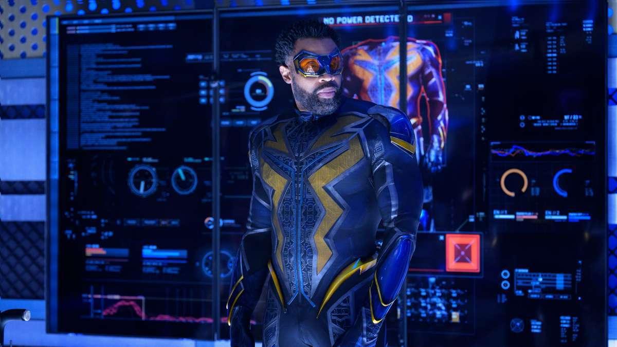 Канал CW выпустил видеоанонс финальной серии «Черной Молнии»