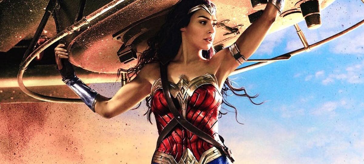 Кинотеатры в США и Великобритании массово закрываются на фоне переноса «Бонда» и «Чудо-женщины»