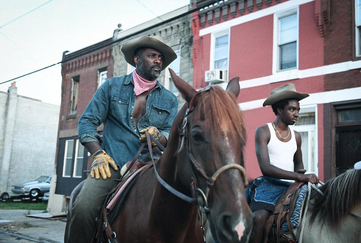 По словам Идриса Эльбы, съемки «Городского ковбоя» были похожи на работу над документальным фильмом