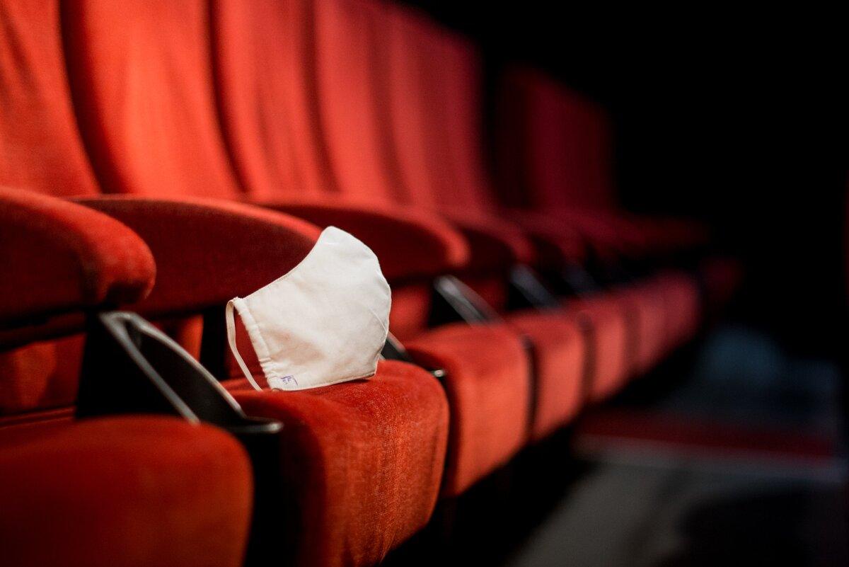 Польша — еще одна страна, повторно закрывшая свои кинотеатры