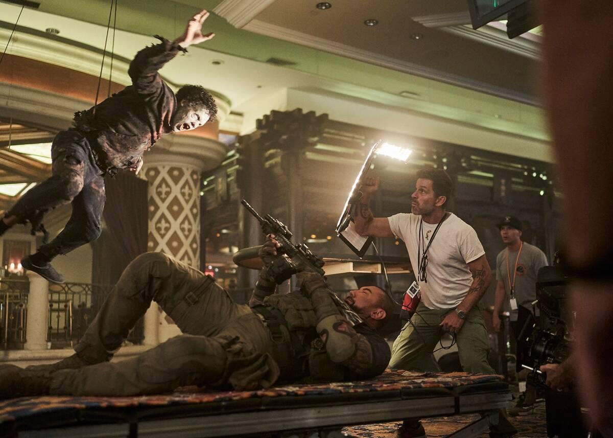 В сети появились новые фото со съемок «Армии мертвецов», а также несколько концепт-артов
