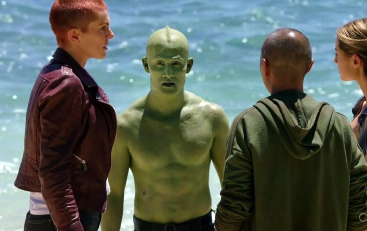 Звезда «Сверхлюдей» Майк Мо раскритиковал «дешевый» и неудачный костюм Тритона