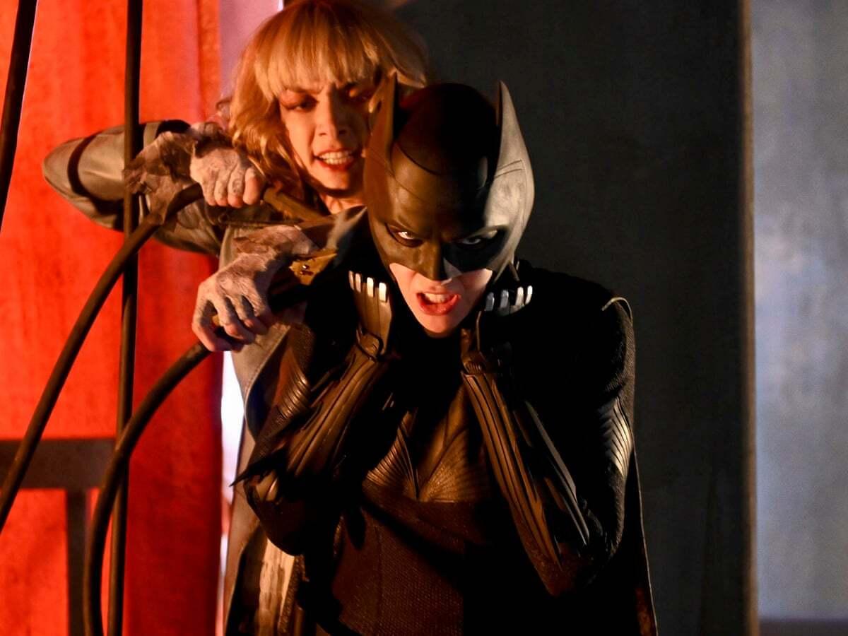 Шоураннеры «Бэтвумен» обещают вывести Кейт Кейн из сериала без убийства героини