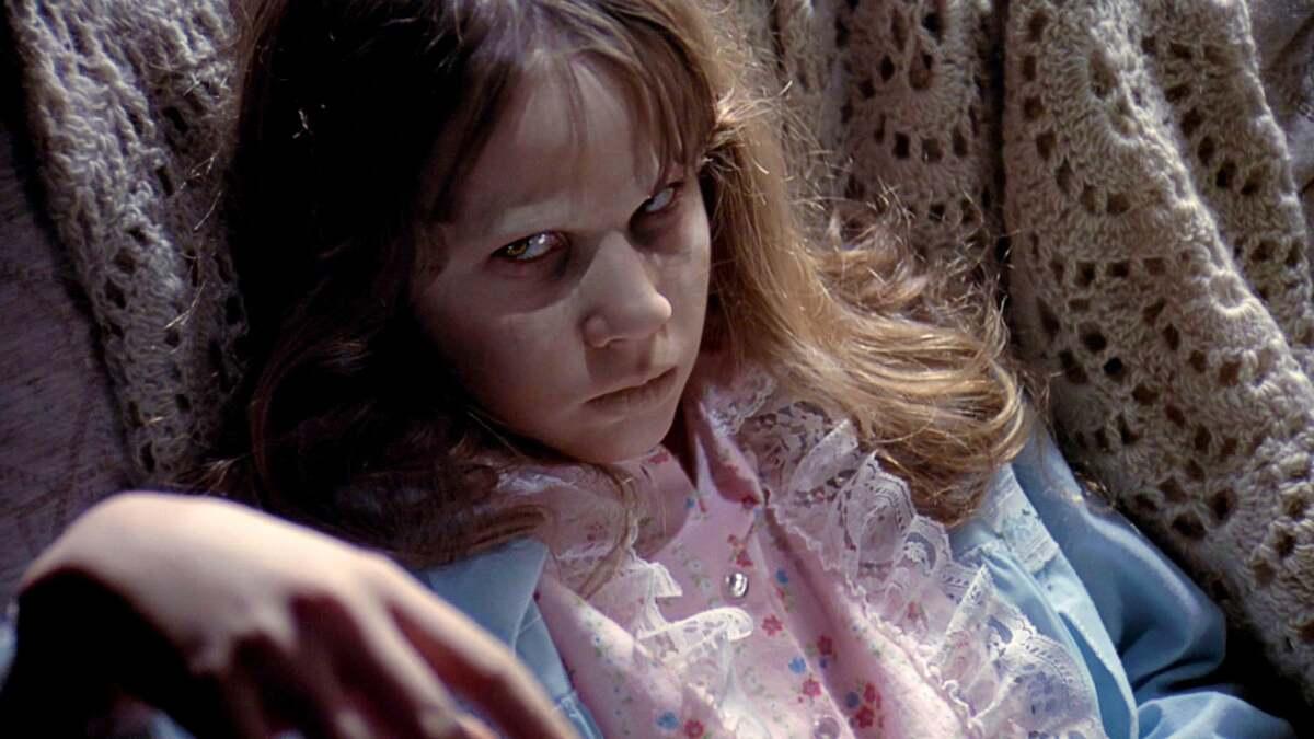 HBO Max выпустил современный трейлер классического хоррора «Изгоняющий дьявола»