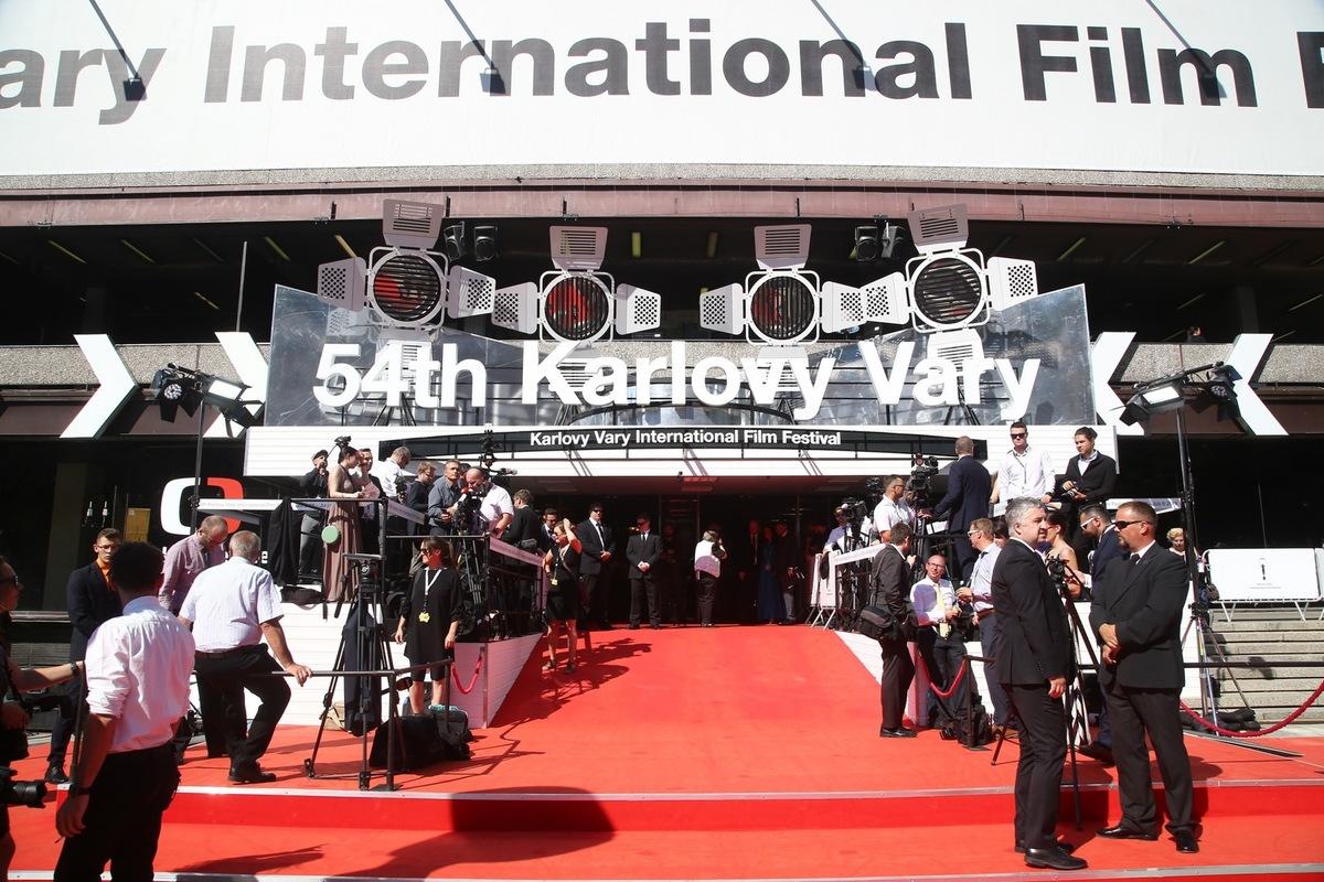 Четырехдневный Кинофестиваль в Карловых Варах отменен из-за пандемии