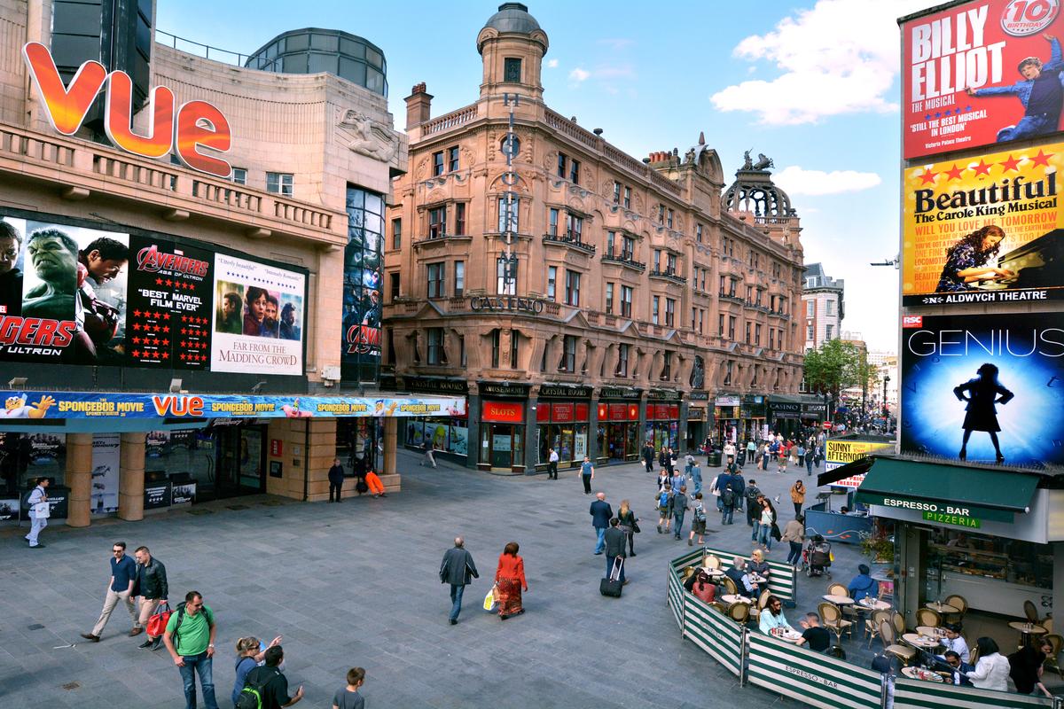 С кинотеатров Великобритании снимут все ограничения, введенные в пандемию