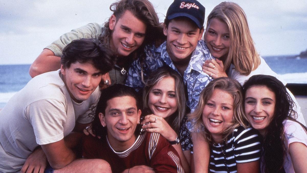 Netflix перезапустит австралийский подростковый сериал «Школа разбитых сердец»