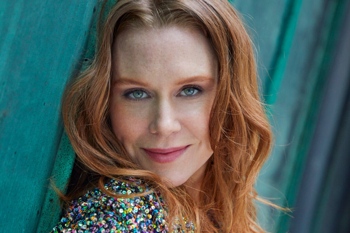 Звезда «Хода королевы» Кристиана Сидел получила роль в вестерне Нила МакДонафа «Бун»
