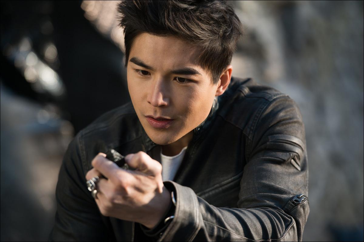 Звезда «Мортал Комбат» Луди Линь посетовал, что в сериале «Властелин колец» нет актеров из Азии