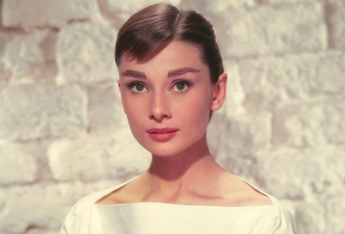 Сериал о жизни Одри Хепберн обзавелся сценаристкой