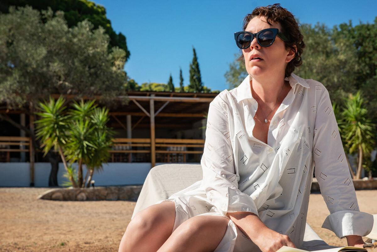 Netflix приобрел права на фильм Мэгги Джилленхол «Потерянная дочь»