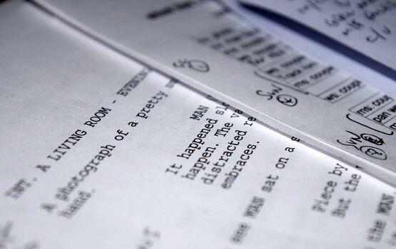 Из-за COVID-19 в Голливуде могут отказаться от бумажных сценариев