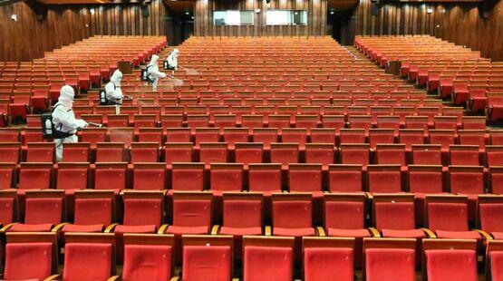 Вторая волна пандемии: двери европейских кинотеатров снова закрыты