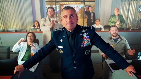 Netflix продлил комедийный сериал «Космические силы» на второй сезон