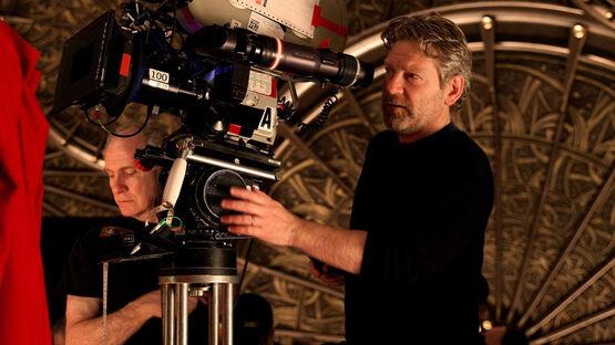 Режиссер «Тора» Кеннет Брана рассказал о своем камео в «Мстителях: Война бесконечности»